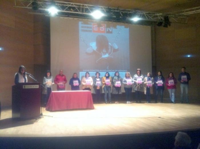 Benestar premia aos escolares polas súas obras en contra da violencia de xénero