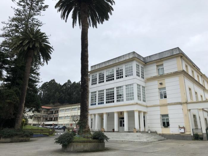 O alcalde traslada a Educación demandas dos Consellos Escolares