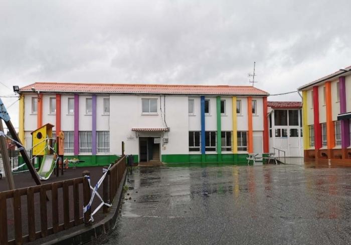 A antigua escuela de Carnoedo pasará a ser un centro social