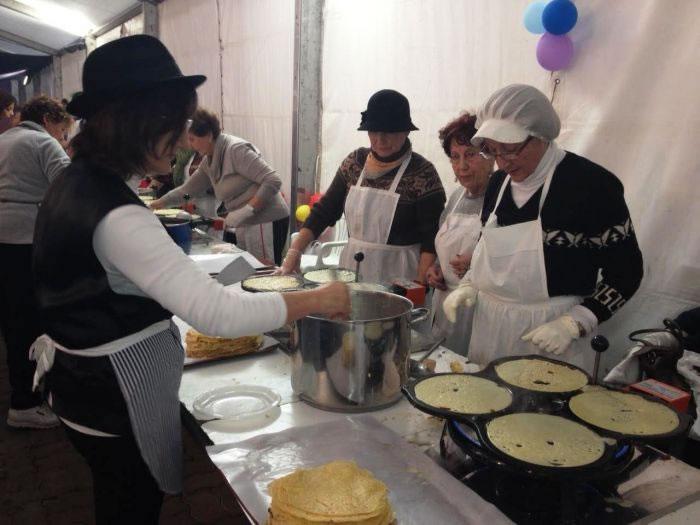A Festa dá Filloa de Sada repartiu 8.000 filloas o Martes de Entroido