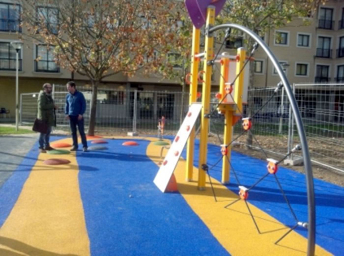 Ábrese aos veciños a ampliación do parque infantil das Brañas